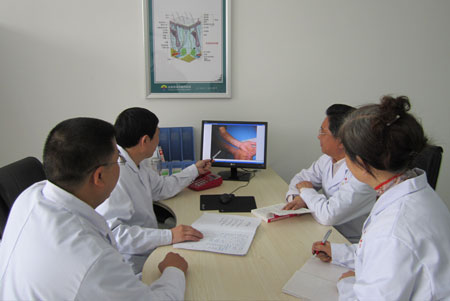 武汉有专治白斑病的医院吗?应该怎样来鉴别白癜风呢?
